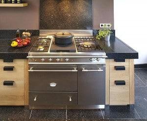 Si auparavant les pianos de cuisson ont été réservés aux professionnels,  ils s invitent de nos jours dans nos cuisines pour ne pas perdre du temps  pendant ... 00b5889dc905
